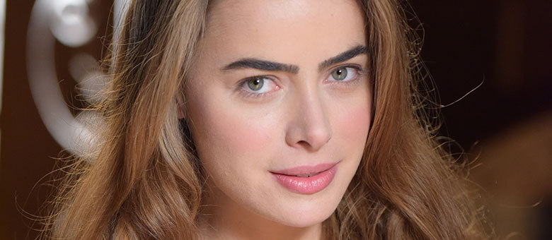 Rayanne Morais vive Pietra em Belaventura