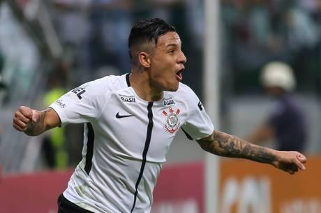 Arana comemora o segundo gol do Corinthians