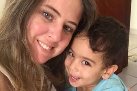 Tatiane quer arrecadar R$ 2,5 milhões para salvar a vida do filho