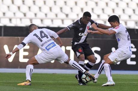 Vasco e Santos fizeram um jogo fraco tecnicamente