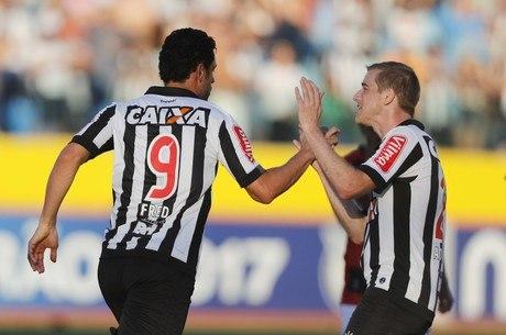 Fred marcou o primeiro gol do Galo contra o Atlético-GO