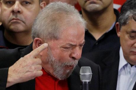 Lula foi condenado a quase 10 anos de prisão pelo juiz Sérgio Moro