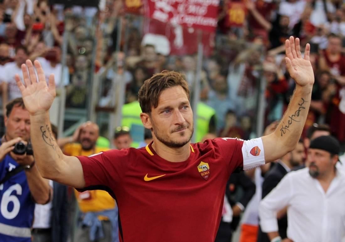 Totti oficializado como novo diretor