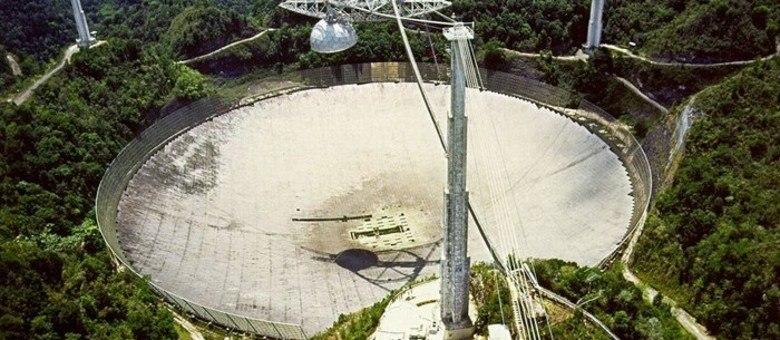 Telescópio de Arecibo é gigantesco
