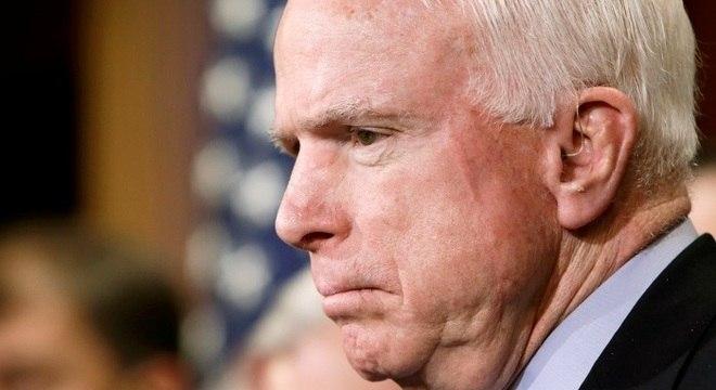 """Israel lamenta morte de McCain, um """"verdadeiro amigo"""" do país"""