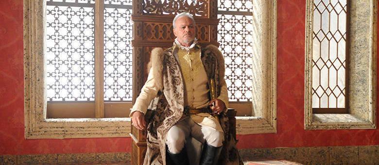 Kadu Moliterno interpreta Otoniel, o rei de Belaventura