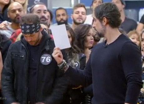 Adriano chora após expulsar 11 colegas do reality show. Confira!