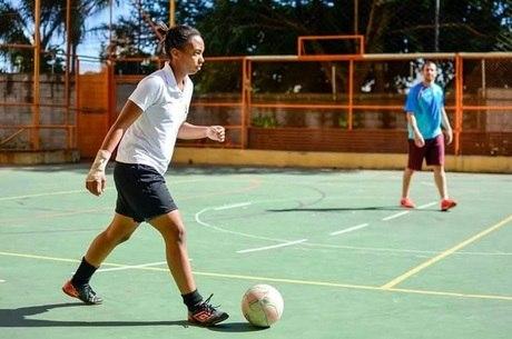 Thayla é natural de Guaianazes e sempre jogou futebol