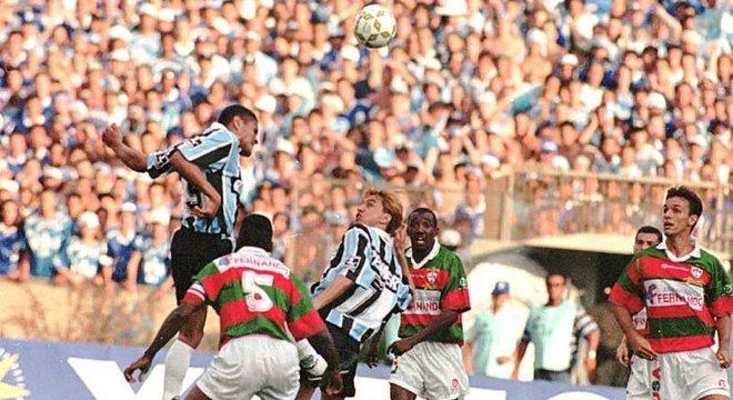 Portuguesa surpreendeu grandes times e chegou à final do Campeonato Brasileiro de 1996