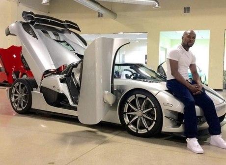 Lutador vai colocar o seu raríssimo Koenigsegg de R$ 15,3 mi no leilão