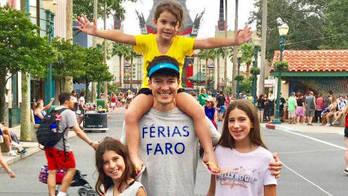 Conheça os lugares que os famosos viajaram com os filhos nas férias (Montagem/R7)