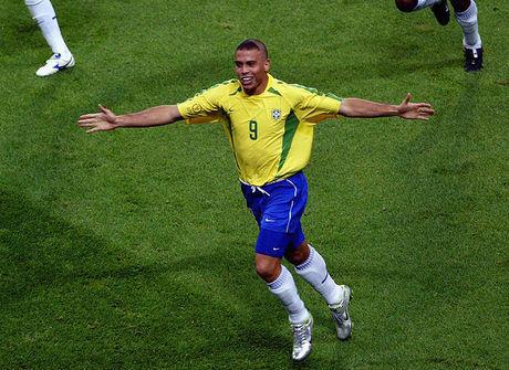 Relembre os 10 gols mais bonitos dos craques da seleção brasileira