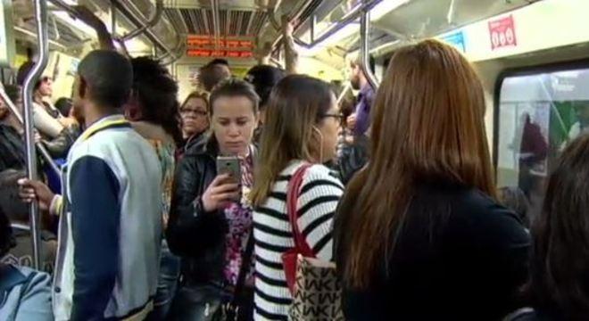Transporte público é o local em que elas relataram que o abuso é mais recorrente