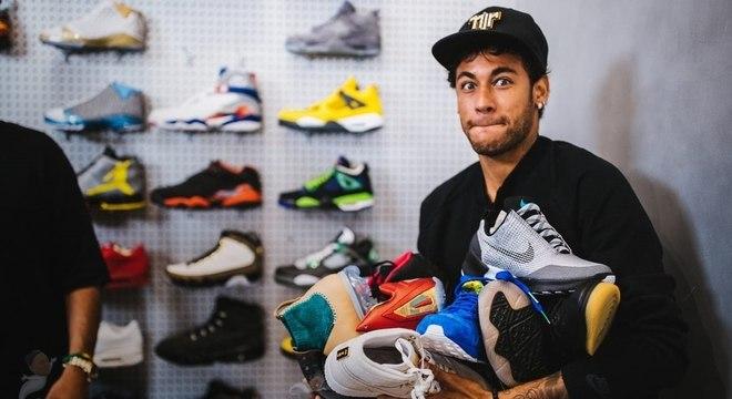 Ops, acho que essa conta vai ficar cara: Neymar gastou R$ 56 mil na loja