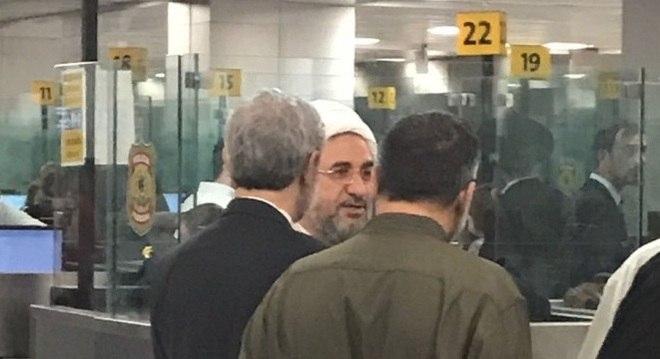 Iraniano Mohsen Araki  durante sua chegada no Brasil