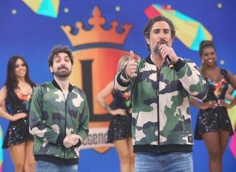 Zezé di Camargo e Luciano animam o palco do programa nesta sexta