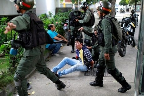 Desde abril a polícia há deteve mais de mil pessoas