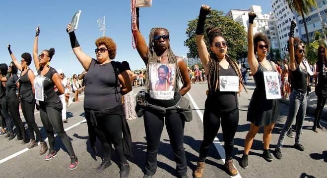 Mulheres negras têm a vida marcada por diversas formas de violência