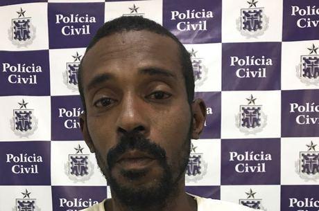 Ademir Júnior Rocha Barros, 36, foi preso, na noite de domingo (30)