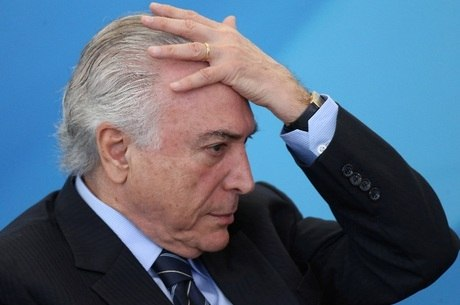 """Ministro que estiver denunciado será afastado"", disse Temer"