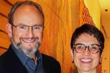 Ernesto Paglia e Sandra Annenberg, os dois continuam na Globo