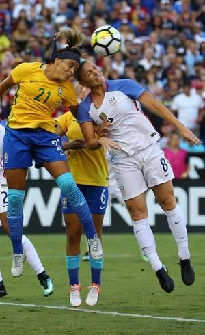 Por que futebol ainda é esporte  só para homem  no Brasil ... 871942243161e