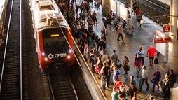 Obras fazem com que trens circulem com maior intervalo neste fim de semana ()