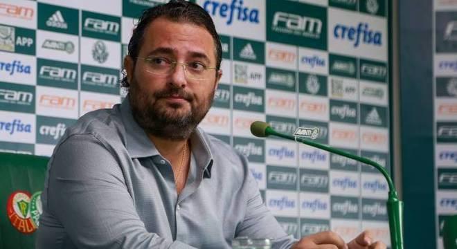 Diretor de futebol do Palmeiras, Alexandre Mattos falou sobre Felipe Melo nesta terça