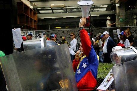Venezuela tem assistido a uma onda violenta de protestos Rússia e Irã