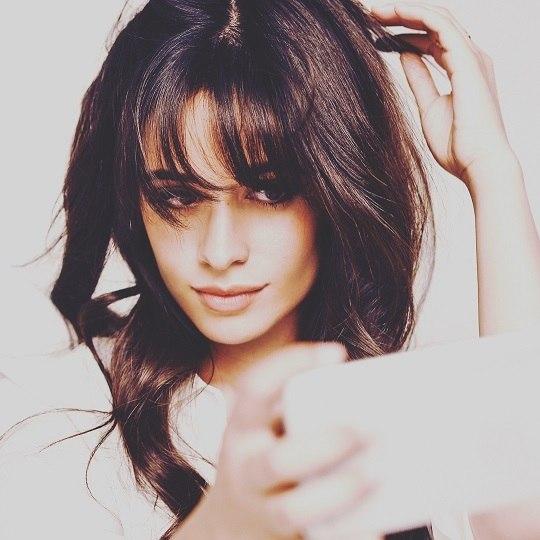 Camila Cabello, ex-integrante das Fifth Harmony, canta 'Paradinha':