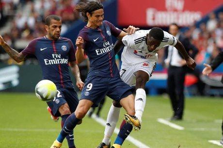 PSG venceu Amiens por 2 a 0 na estreia do Francês