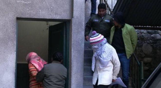 Familiares pediram alta de Chacón do hospital e a levaram para funerária para esperar que morresse, segundo testemunhas