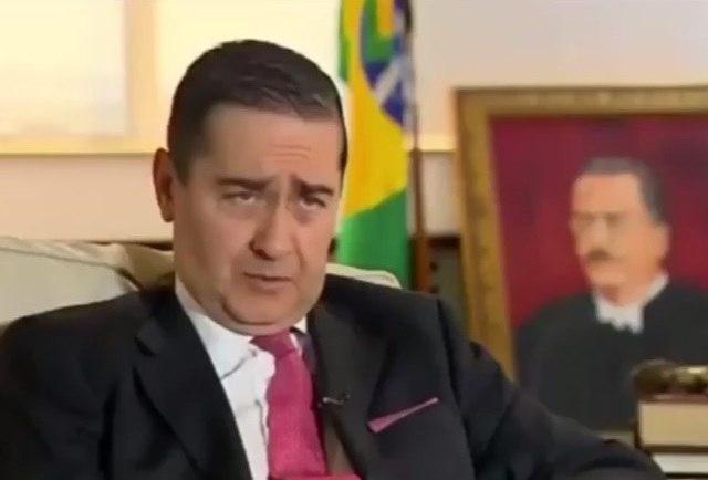 Presidente do TRF-4 elogia sentença de Moro