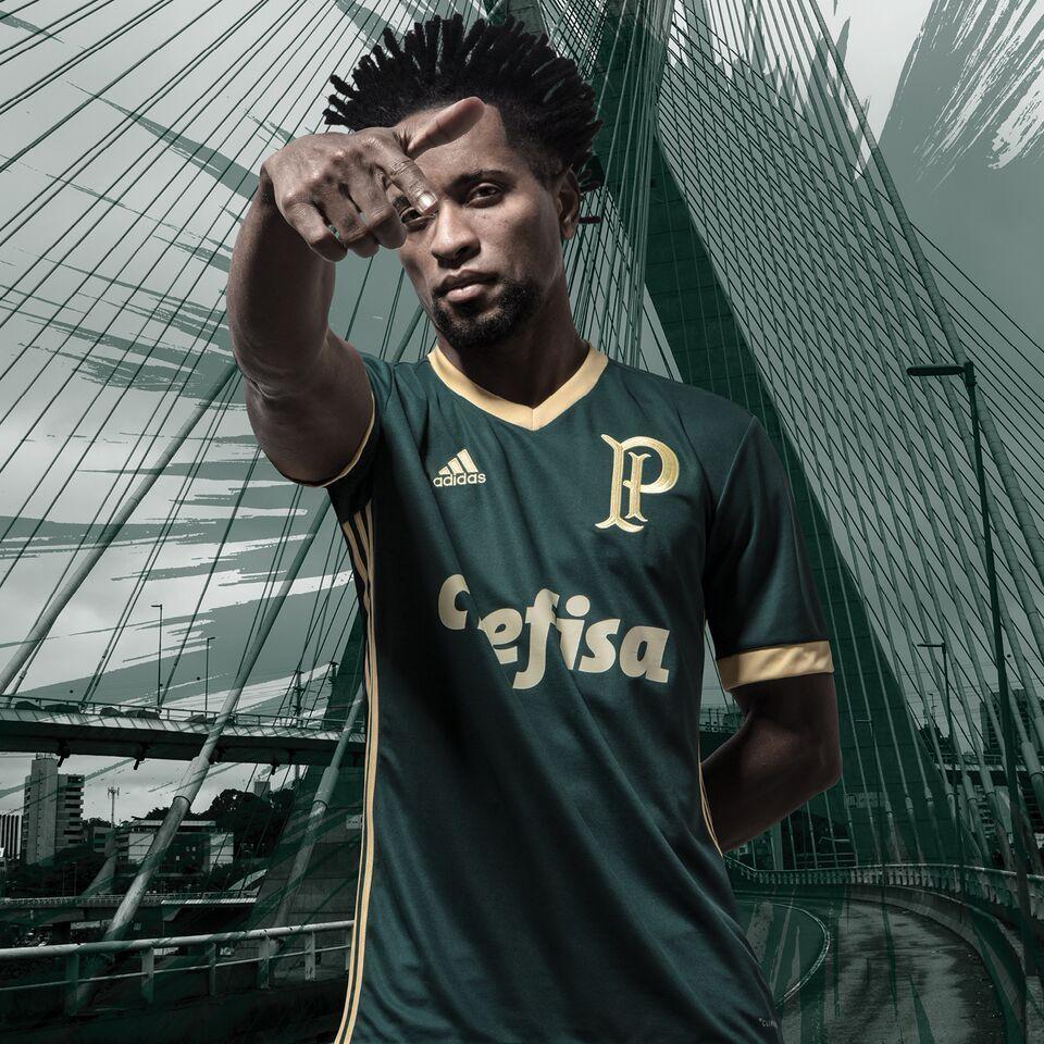 Palmeiras lança camisa III em homenagem à arrancada heroica de 1942; fotos