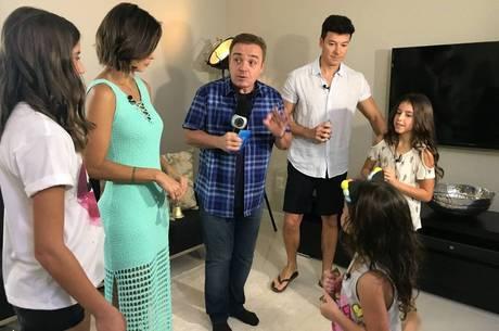 Família de Rodrigo Faro se diverte em game, na quarta-feira (9)
