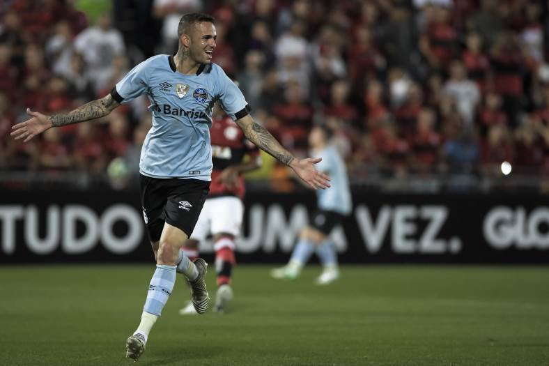 Após classificação, Luan se esquiva sobre saída do Grêmio: