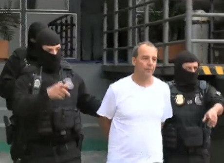 Cabral é acusado de receber valor para beneficiar viações de ônibus