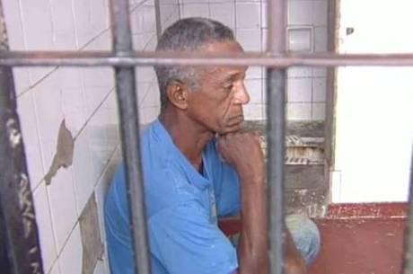 Douglas é acusado de matar oito crianças