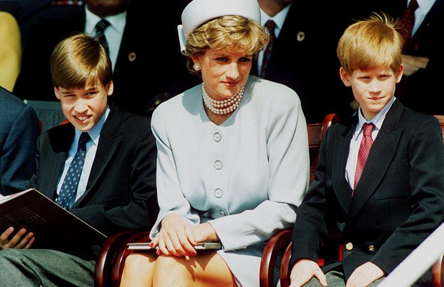Príncipes Harry e William falam sobre a mãe em novo documentário: 'Nós devemos isso a ela'
