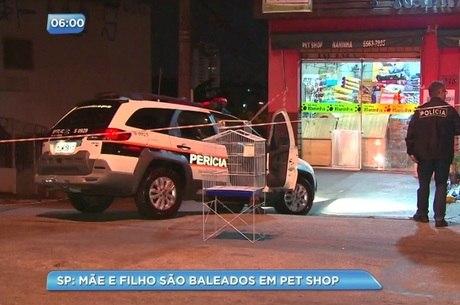 Mulher foi morta em assalto a um pet shop