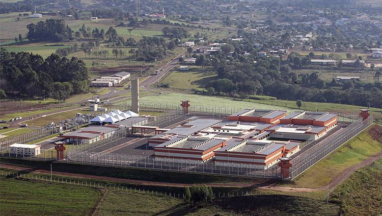 Ministro do STF nega pedido para transferências de presos de presídios federais