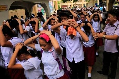 Terremoto levou à evacuação de escolas e escritórios em Manila
