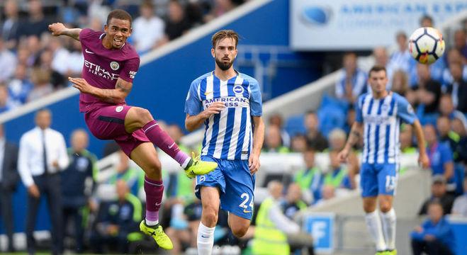 Gabriel Jesus foi titular do Manchester City neste sábado (12)
