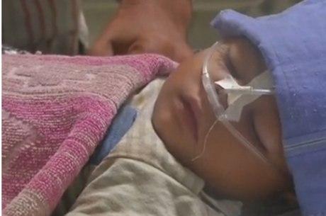 Ala infantil em centro médico indiano estava com falta de reservas de oxigênio