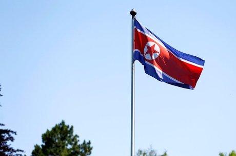 Coreia do Norte tem armas nucleares, submarinos e milhões de soldados