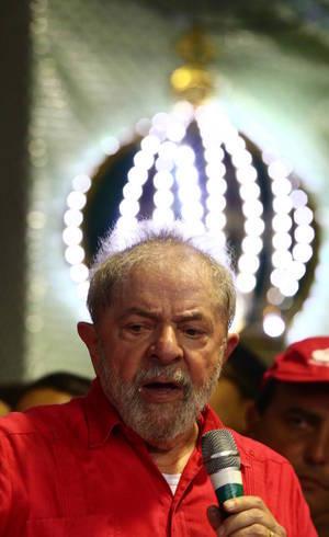 Lula discursou na quadra da Império Serrano, escola de samba historicamente ligada a movimentos de esquerda
