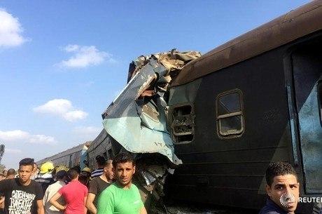 Segundo uma das vítimas, ao colidir os trens subiram no ar formando uma pirâmide