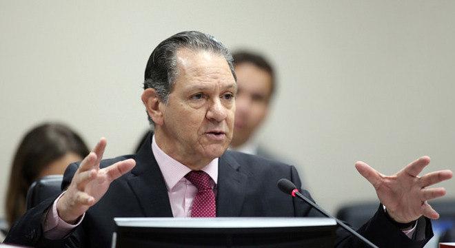 Presidente do STJ, Noronha testa positivo para coronavírus