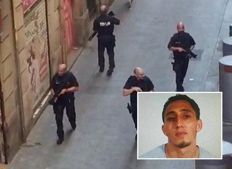 Um dos suspeitos é morto em tiroteio e outro é preso, diz jornal