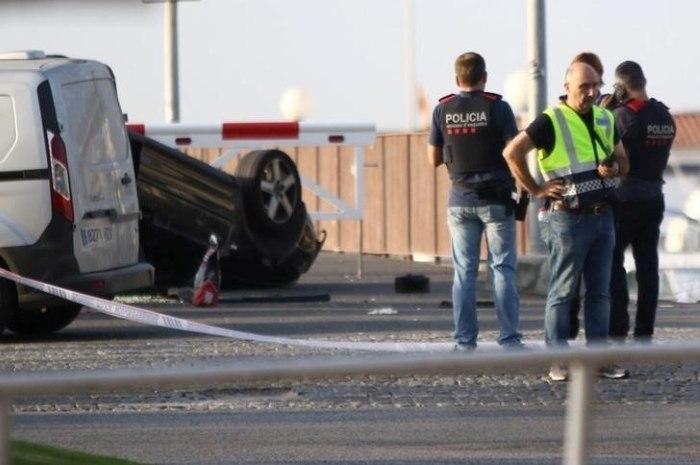 Polícia da Catalunha mata autor de atentado em Barcelona